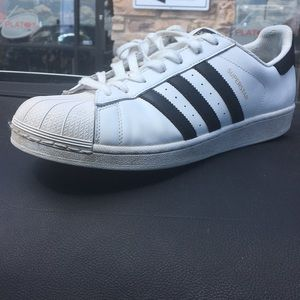Adidas superstars size 10.5